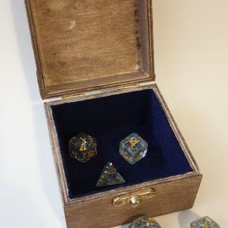 Small polyhedral dice set box